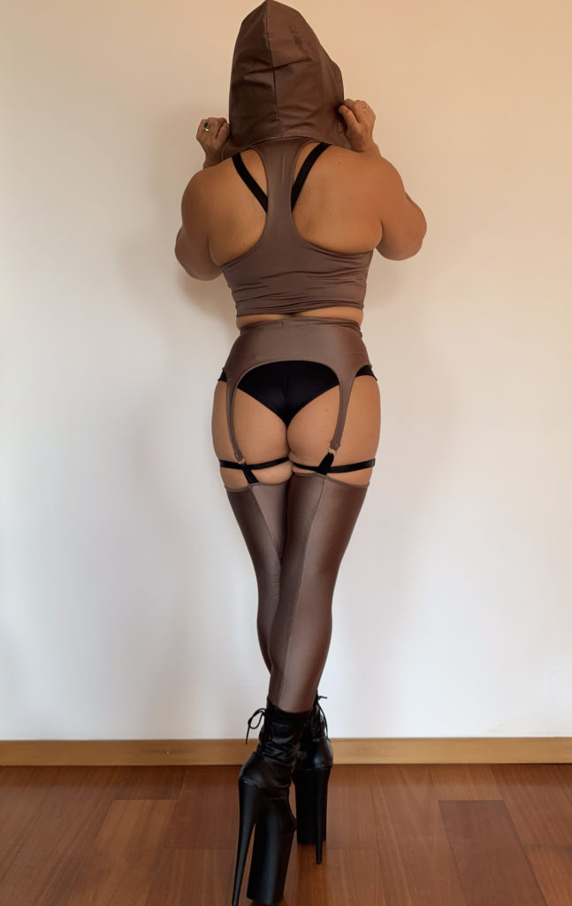 "GARTER BELT ""INCANTATION"" BROWN"