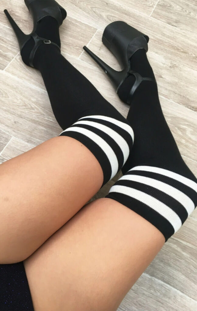 BLACK THIGH HIGH SOCKS WITH WHITE STRIPE