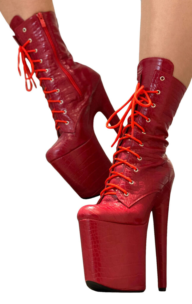 """COSMOPOLE SNAKE ANKLE BOOTS IMPERIAL CLOSED TOES / 8"""""""